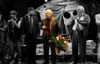 Tiyatroya adanmış ömür: Tuncer Cücenoğlu