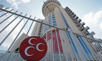 MHP Genel Merkezi döviz hesaplarını bozdurdu