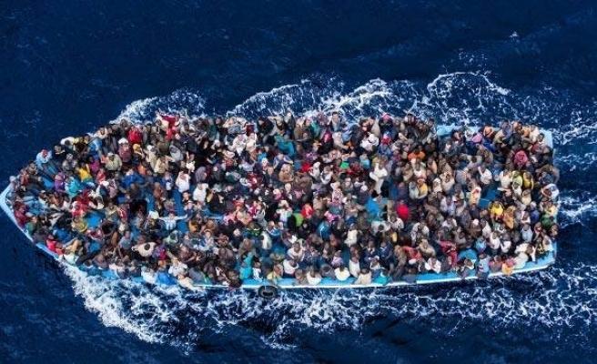 Akdeniz'de göçmenleri taşıyan bot alabora oldu: 146 göçmen kayboldu