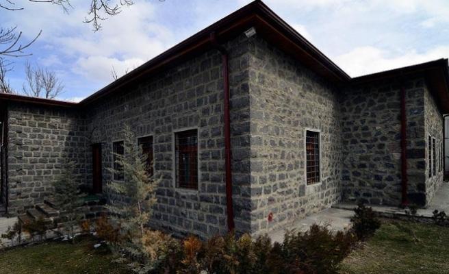 Asırlık 'tren garı' kütüphane oldu