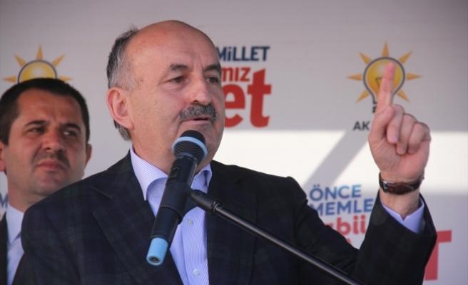 """""""Atatürk'ün gölgesine yan gelip yatmaktan vazgeçin"""""""