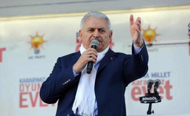 Başbakan Yıldırım: Asil milletimiz bizi parçalamaya çalışanlara gereken dersi verecek