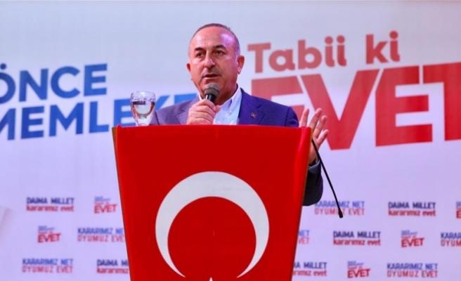 Çavuşoğlu: Batı medyası halk oylaması sürecini doğru yansıtmıyor