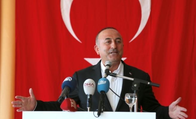 Çavuşoğlu: Onların demokrasi ve insan haklarında ikiyüzlülüğünü suratlarına vururuz