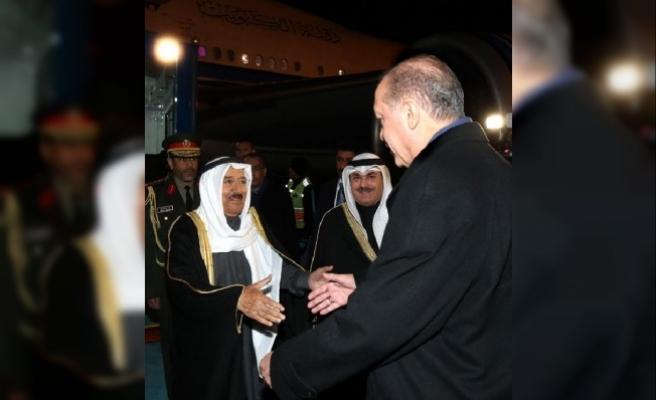 Cumhurbaşkanı Erdoğan Kuveyt Emiri'ni Esenboğa'da karşıladı