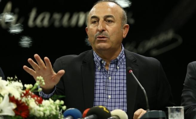 Dışişleri Bakanı Çavuşoğlu: Başörtülü kızlarımızın başörtüsünü zorla çıkarmışlar