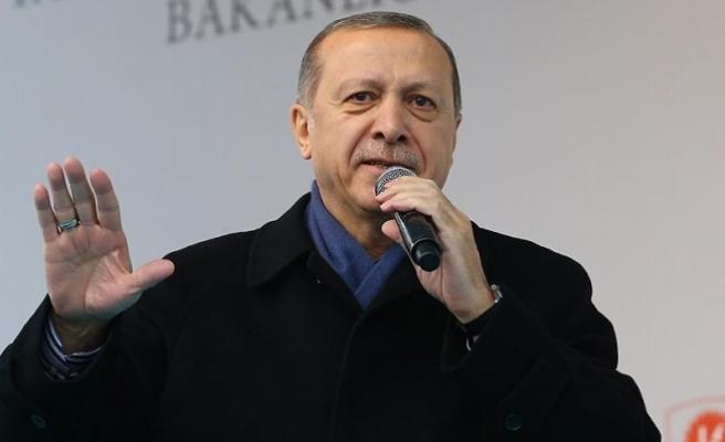 Erdoğan: Kıytırık pankart mı bizi yolumuzdan döndürecek
