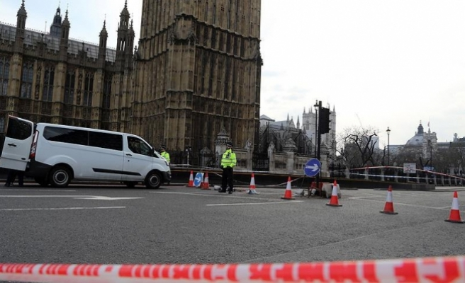 Londra'daki terör saldırısıyla ilgili 9 gözaltı