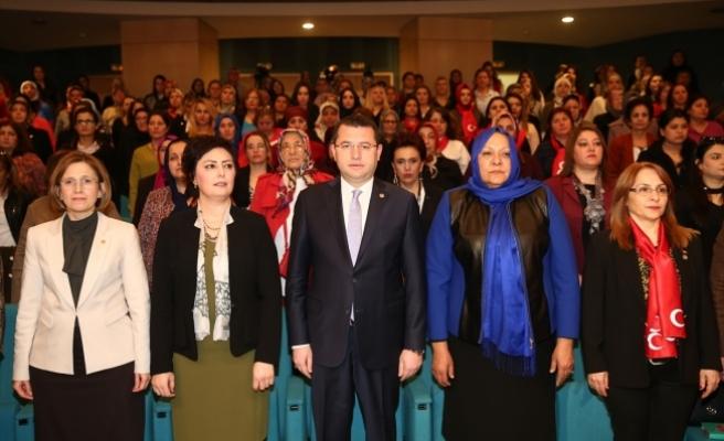 MHP Genel Merkez Kadın Kollarında Referandum Bilgilendirme Toplantısı