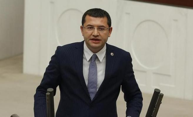 """MHP'li Parsak: """"1982 darbe anayasası yürürlüğe girdiği andan itibaren tartışmalı"""