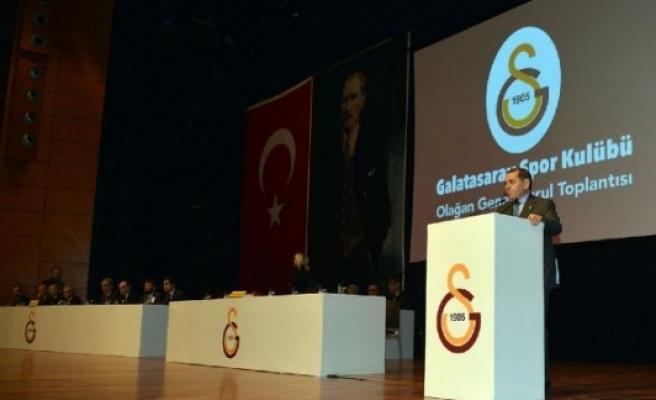 Özbek: Galatasaray'ın UEFA'ya katılması için zerre problemi yoktur