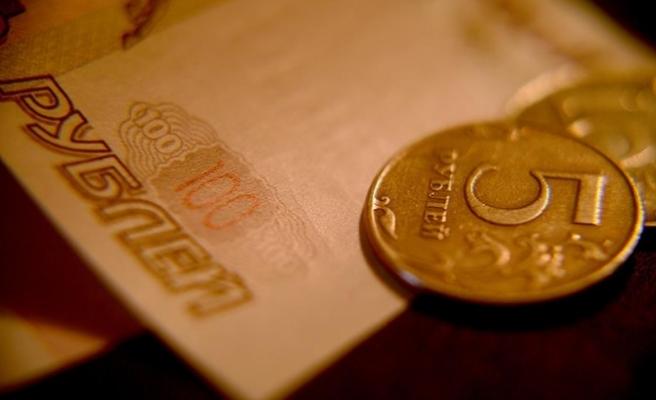 Ruble, dolar karşısında 20 ayın zirvesinde