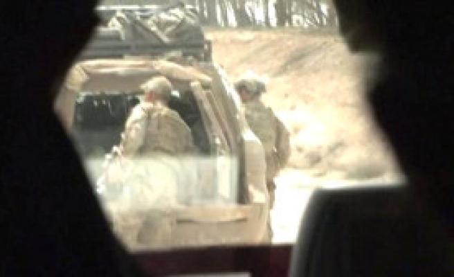 Ruslar, ABD Askerlerini Rakka'daki Cephe Hattında Görüntüledi