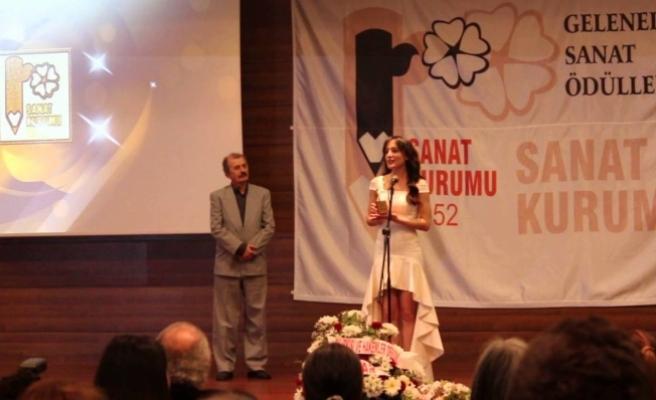 """Sanat Kurumu Ödülleri'nde """"Ankara rüzgarı"""" esti"""