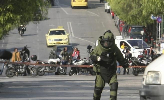 Yunanistan'da patlayıcı içeren 8 paket daha tespit edildi