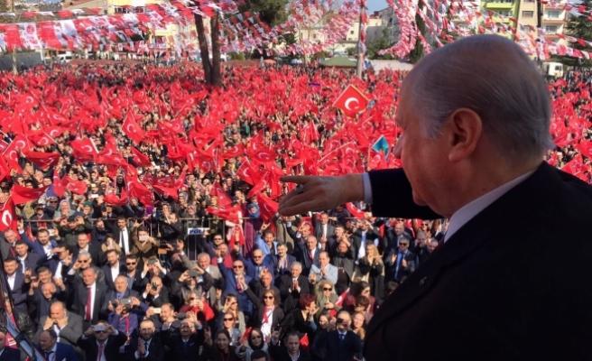 Bahçeli: Şer tiyatrolarının perdesi 16 Nisan'da kapanacaktır