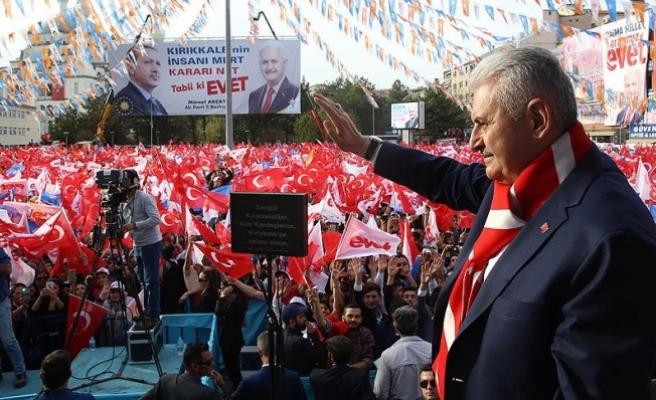 Başbakan Yıldırım: CHP anamuhalefet partisi sana yakışır mı HDP'nin kuyruğuna takılmak