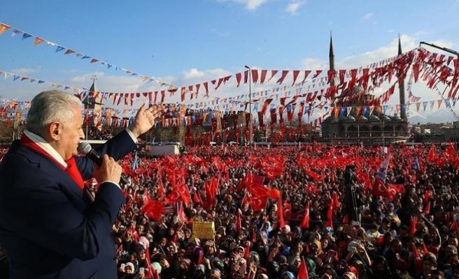 Başbakan Yıldırım: Milletin rüzgarı onların kandilini söndürece