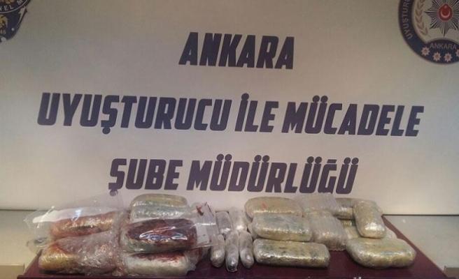 Başkent'te uyuşturucu operasyonunda 79 şüpheliden 26'sı tutuklandı