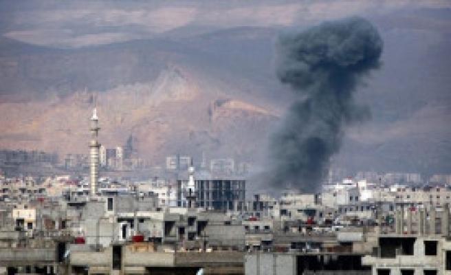 BM'de Kimyasal Saldırı Tartışılırken, Esad Yine Sivilleri Vurdu