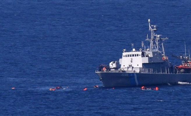 Ege'de sığınmacı teknesi battı