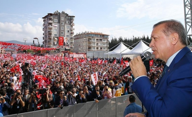Erdoğan: Savaş suçlarına karşı atılmış bir adım olarak bunu olumlu buluyoruz
