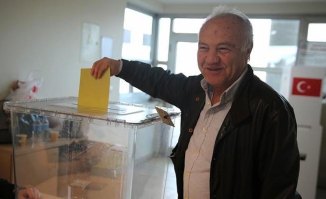 Frankfurt'ta oy verme işlemi devam ediyor