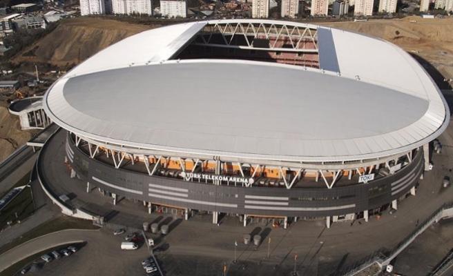 Galatasaray-Fenerbahçe derbisinin biletleri satışa çıkarıldı