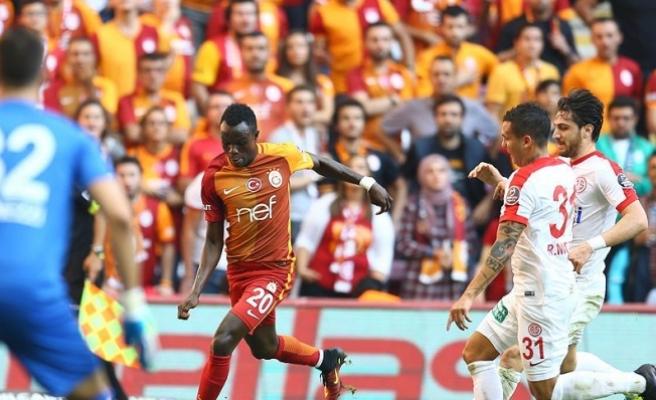 Galatasaray, zirvedekilere karşı saha avantajını kullanamıyor