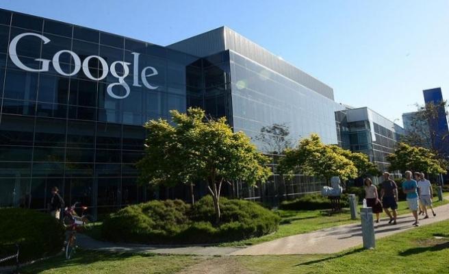 'Google kadınlara daha az maaş veriyor' iddiası