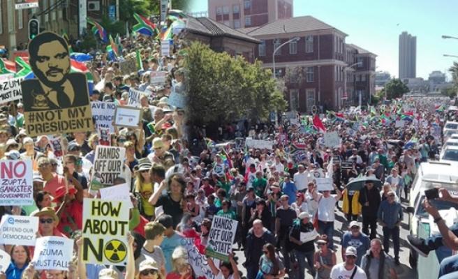 Güney Afrika'da büyük yolsuzluk protestosu