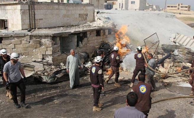 İdlib'te hastane ve ambulans noktasına hava saldırısı: 7 ölü
