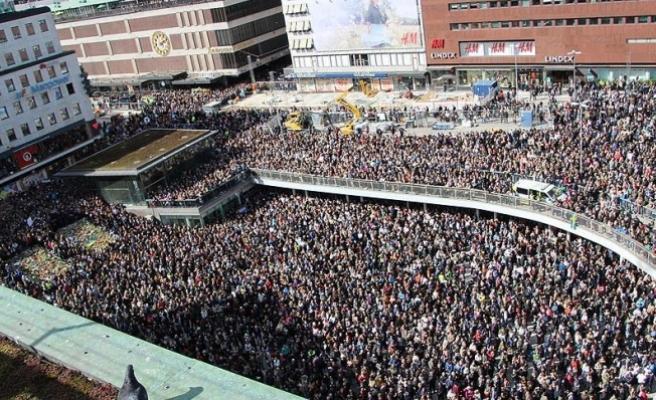 İsveç'teki kamyonlu terör saldırısı protesto edildi