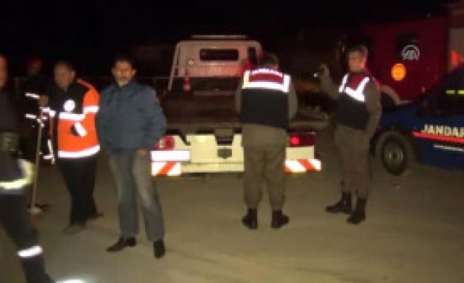 Kırıkkale'de Otomobil Bariyerlere Çarptı: 3 Ölü, 1 Yaralı