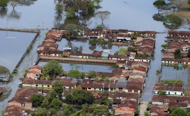 Kolombiya'da sel felaketi: 90 ölü