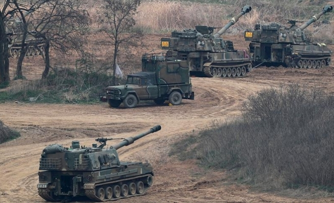 Kuzey Kore gerçek mermilerin kullanıldığı tatbikat yaptı