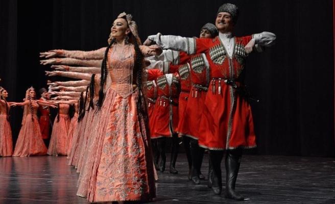'Lezginka' Bursa'da sahne aldı