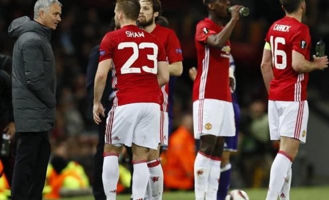 Manchester United - Anderlecht maçını izlerken elektrik çarptı: 30 ölü