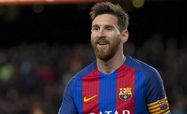 Messi, Barcelona ile sözleşme yeniledi
