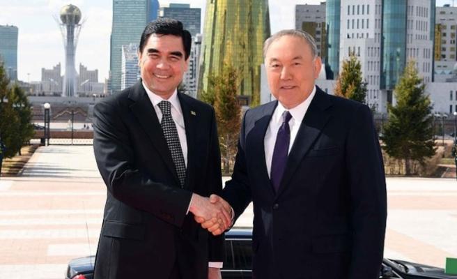 Nazarbayev: Türkmenistan ile ulaştırma ve enerji iş birliğimiz gelişiyor