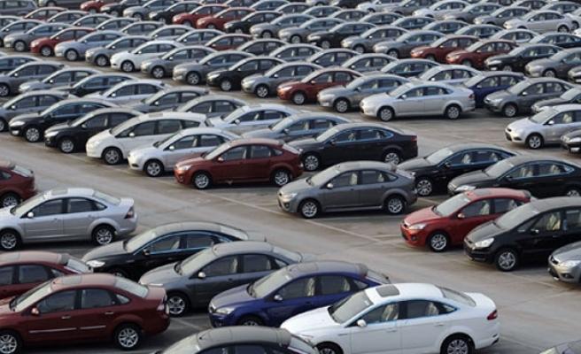 Otomobil ve hafif ticari araç pazarı 3 ayda yüzde 7,3 daraldı