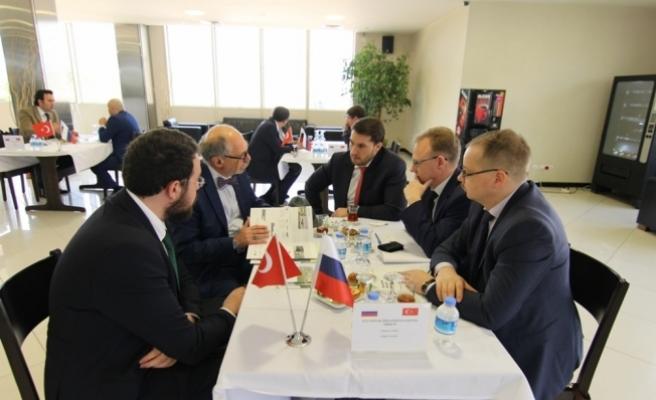 """""""Rusya'yı ilk 10 ihracat pazarımız arasında görmek istiyoruz"""""""