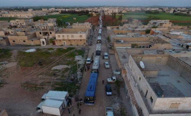 Suriye'de rejim kuşatmasındaki Vaer'den tahliyeler sürüyor