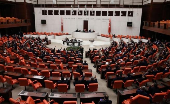 Bölge adliye ve idare mahkemelerinin işleyişine ilişkin tasarı komisyonda kabul edildi