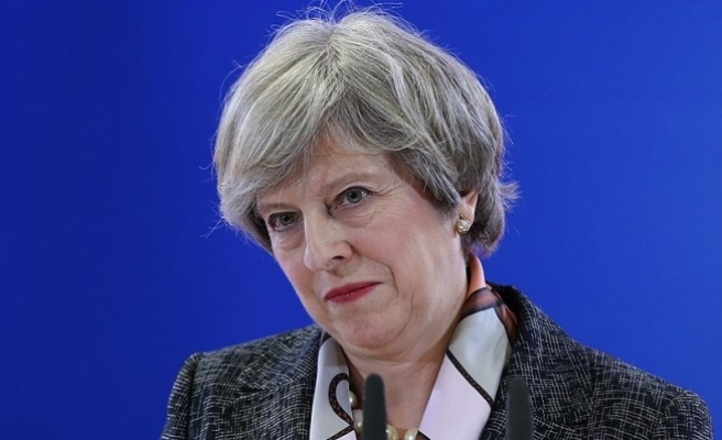 """İngiltere Başbakanı May'in eşi: """"Çöpü ben atarım"""""""