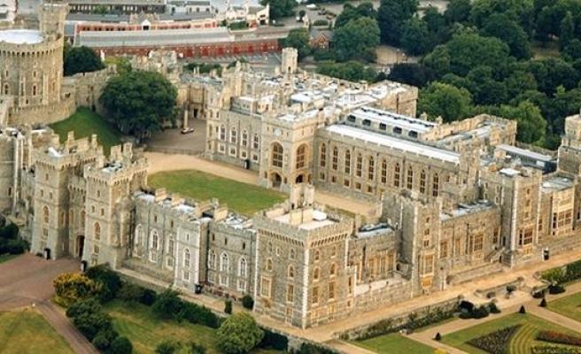 İngiltere'de Prens Philip hastaneye kaldırıldı