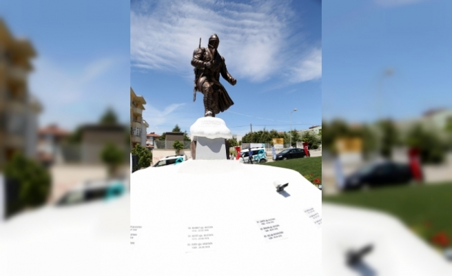 Tekirdağ'da 90 bin şehit anısına 4 metrelik anıt