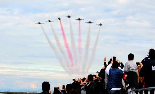 'Türk Yıldızları' ve 'Solotürk' ün nefes kesen Samsun gösterisi