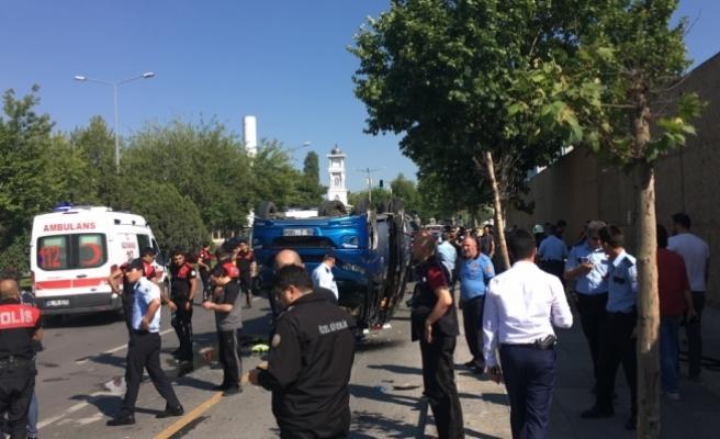 Başkentte trafik kazası: 16 yaralı