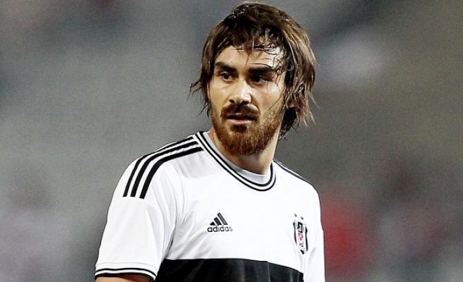 Beşiktaşlı Veli Kavlak, Antalyaspor'la Anlaştı